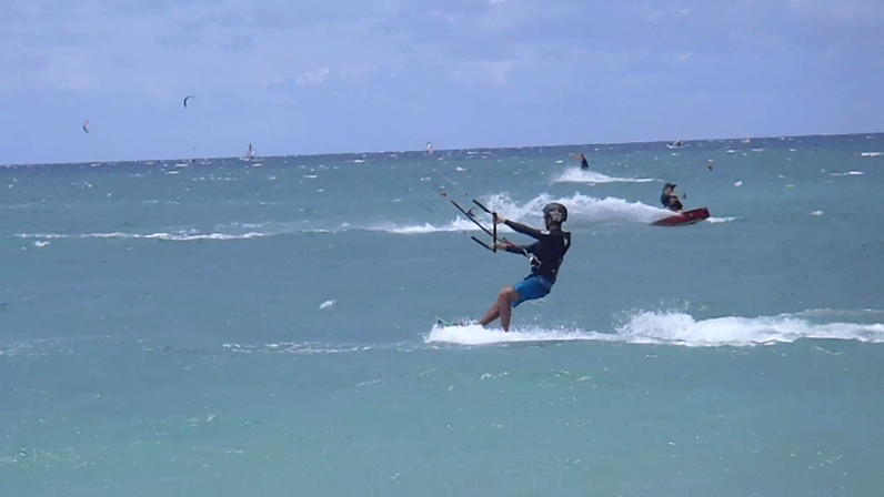 Maui Kiteboarding Lesson Riding