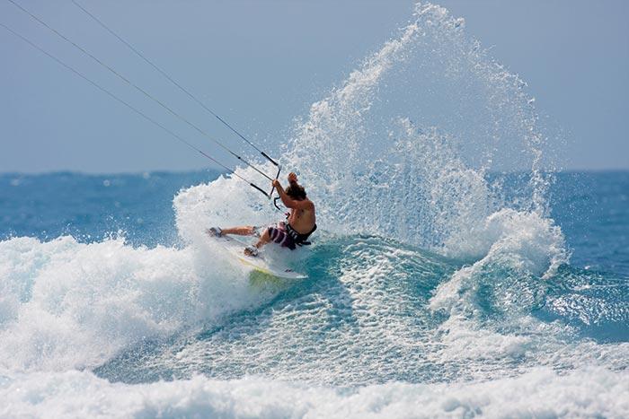 KITESURF LESSONS & WAVES RIDING LESSONS KITE BEACH MAUI