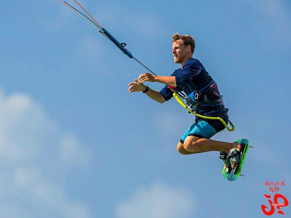 Chas kiteboardng maui jump